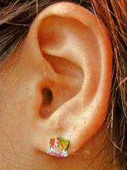 Pierced_earlobe